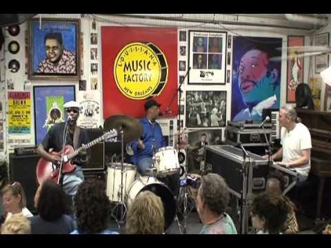 """Joe Krown - Russell Batiste Jr. - Walter """"Wolfman"""" Washington @ LMF JazzFest 2011"""