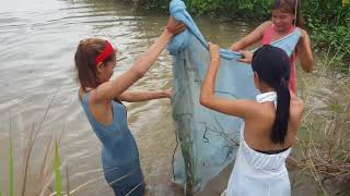 Amazing fishing at Battambang - people fishing in Cambodia - How to Catches fish (Part 272)