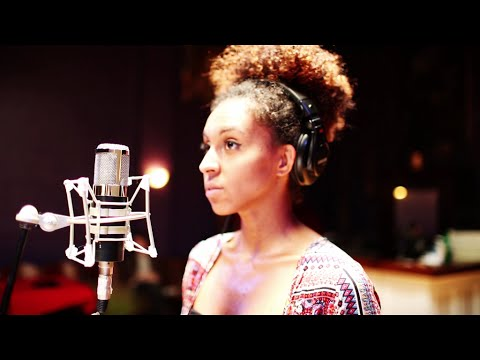 "Laura Mvula - ""Make Me Lovely"" featuring Alita Moses (Live cover from Feed Lab Music)"