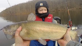 How to catch catfish in winter - Winter fishing for catfish - Catch catfish in a lake