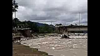 preview picture of video 'R�o y puente de misantla sabado 14/09/2013'