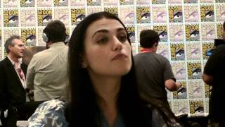"Кэти МакГрат, Katie McGrath of ""Merlin"" at Comic-Con 2011 - from the press room (part 1).MOV"