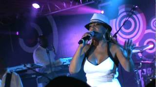 "Cherrelle & Alexander O'Neal - ""Everything I Miss at Home"" Live @ 2011 Essence Music Fest - 07/01/11"