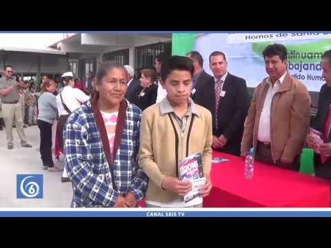 Entrega de vales para útiles escolares en escuelas de Ixtapaluca