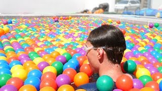 FILLING MY POOL WITH 100000 BALLS!
