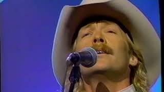 Alan Jackson - Everything I Love (Live at 1996 CMAs)
