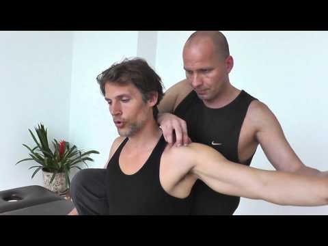 Schmerzen an der Basis der Rückseite des Kopfes Schmerzen im Nacken