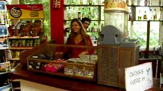 preview picture of video 'Hostel Inn_Iguaza_Argentina_100_1919.MOV'