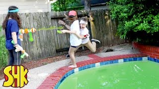 Giant Mind Control Slime Nerf Battle!