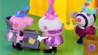 Peppa Pig Stop Motion | What's inside Peppa's Secret Surprise Box? | Peppa Pig Official | 4K