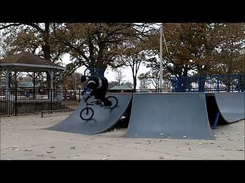 OLD SCHOOL BMX - PONTIAC SKATEPARK WITH SMITTY