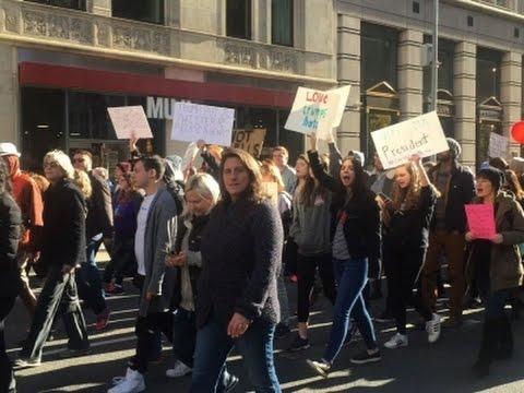 Avvisning fortsatter trots protester