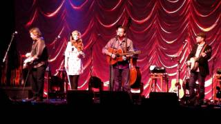 Alison Krauss & Union Station, with Dan Tyminski - The Boy Who Wouldn't Hoe Corn