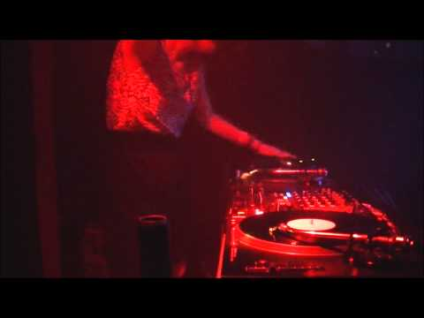 20131109 KARLY(野本かりあ)  / スコヴィル vol.9 @米子HASTA LATINA DJ (видео)