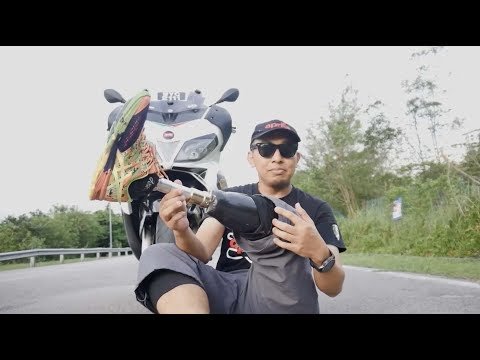 Bike Review: Aprilia SR Max 300