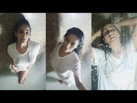 poonam pandey wet wild bath scene--  BOLLY CHUNK