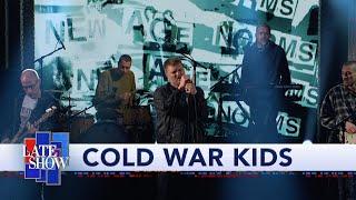 """Cold War Kids Perform """"Complainer"""""""