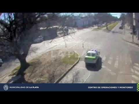 Mirá el video del accidente entre una moto y una bici