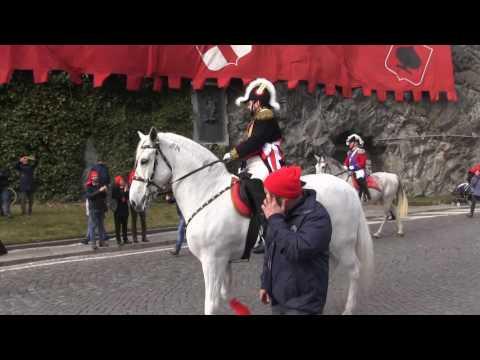 Preview video Storico Carnevale d´Ivrea 2017 - giovedì grasso - Generale a cavallo