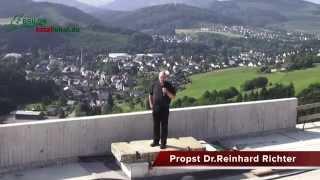 Propst Dr.Reinhard Richter auf der höchsten Brücke in NRW