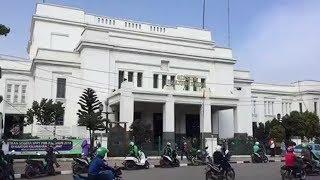 Melihat Bangunan Era Kolonial di Stasiun Tanjung Priok