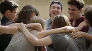 """Hra """"Vadí nevadí"""" na téma sex – skuteční studenti... skutečné emoce..."""