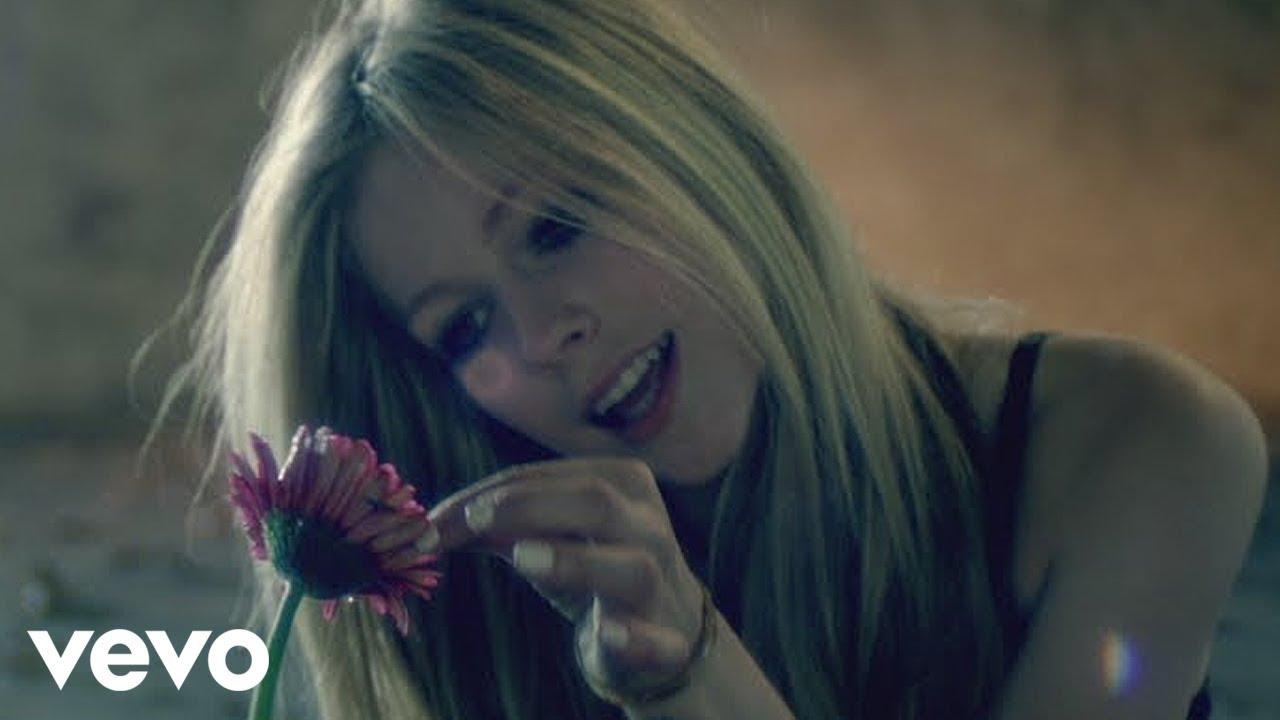 Lirik Lagu Wish You Were Here - Avril Lavigne dan Terjemahan