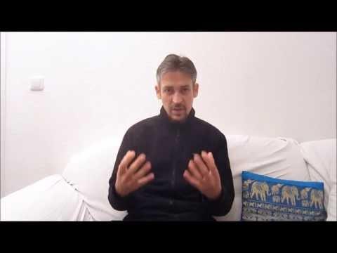 Die Fitness des Heimes Videos die Stunden für die Abmagerung auf dem Russen unter die Musik herunter