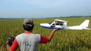 Download Video Pesawat wd bersuara enjine karya penjual mie ayam jember mas budi MP3 3GP MP4