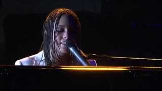 """Alicia Keys live @ North Sea Jazz Festival (2004) """"I Got A Little Something For You"""""""
