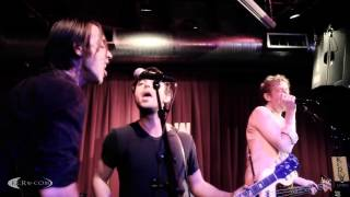 "Divine Fits performing ""Like Ice Cream"" Live at KCRW's Apogee Sessions"