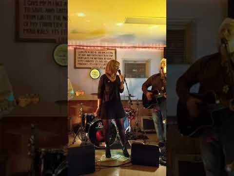 Sandy singing Landslide with Ground Control December 7, 2019
