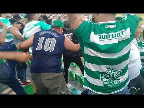 """""""La KOMUN santos vs puebla"""" Barra: La Komún • Club: Santos Laguna"""