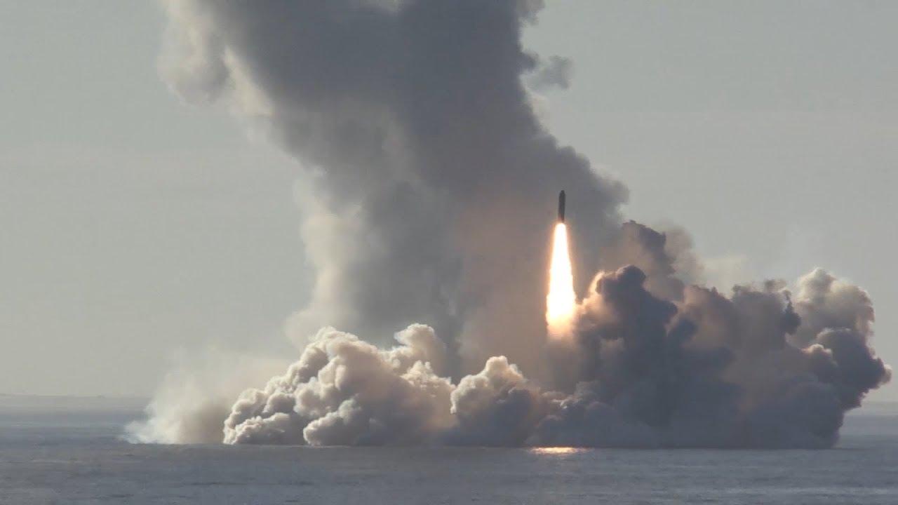Залп из 4 ракет «Булава» из подводного положения с подлодки «Юрий Долгорукий»