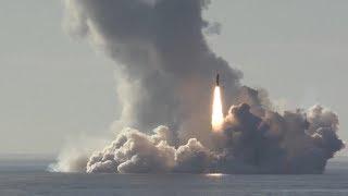 Залповый пуск баллистических ракет «Булава» из акватории Белого моря по полигону Кура