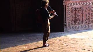 preview picture of video 'India - Agra : Red Fort, Itimad-ud-Daulah, Tāj Mahal, Fatehpūr Sikrī'