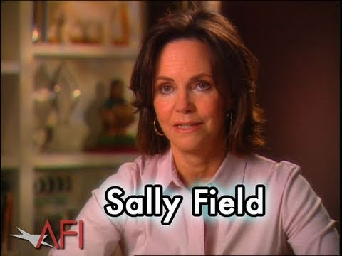 Video trailer för Sally Field on Why FORREST GUMP is Inspirational