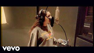 Alessia Cara - OKAY OKAY (Live Off The Floor)