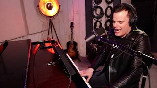 Gambar cover Killer Queen - Marc Martel (one-take)