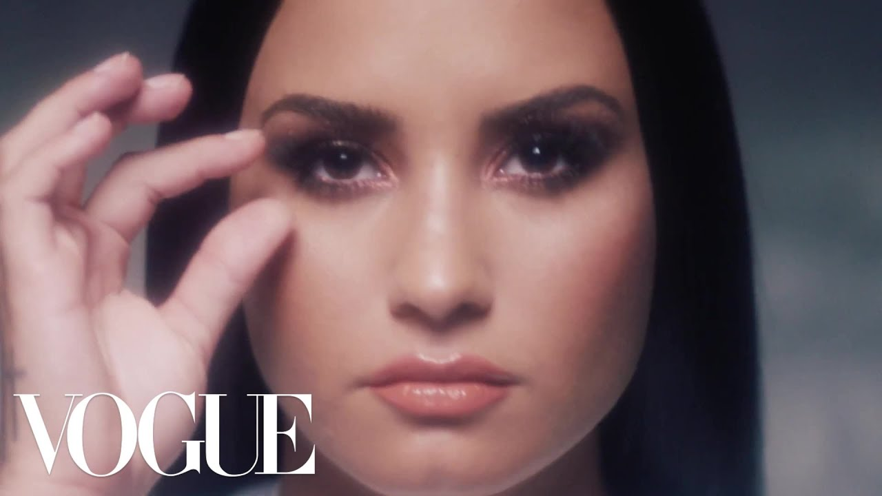 Watch Demi Lovato Take Her Makeup Off Hair Extensions Out Purewow