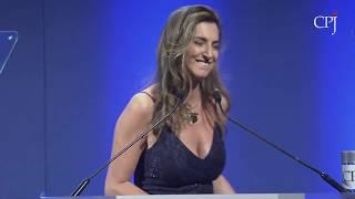Patrícia Campos Mello: 2019 International Press Freedom Award