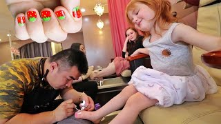 ADLEY PRINCESS MAKEOVER!! Surprise Date with Mom for my FIRST manicure and pedicure!