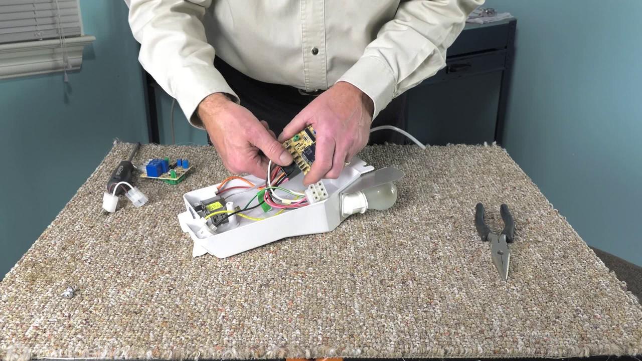 Replacing your Whirlpool Refrigerator Refrigerator Defrost Board