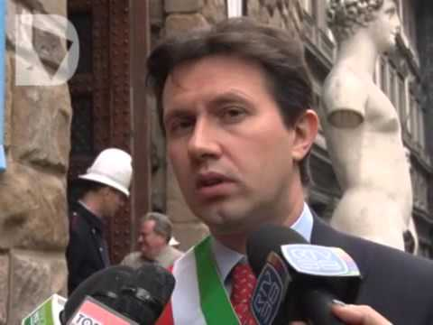 DARIO NARDELLA SU STATUA JEFF KOONS - video