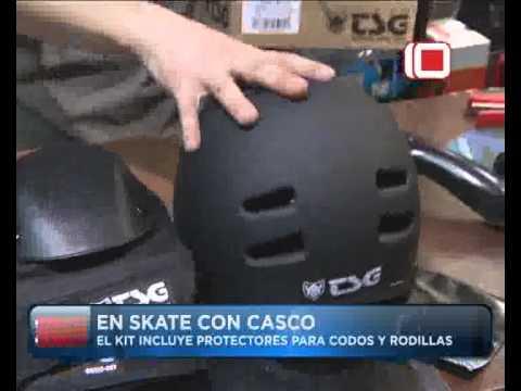 Las Noticias por el Diez | En skate con casco