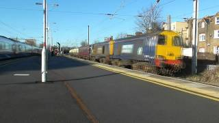 preview picture of video '20302 & 20305 thrash past West Hampstead Thameslink with 'The Deviationer''
