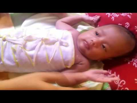 Video Cara Merawat Bayi ; Memakaikan Baju