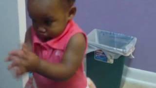 1-year-old-Baby Dancing to Angelique Kidjo's Sedjedo