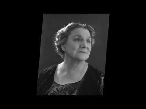 """Yvette Guilbert  """" Madame Arthur """" 1934"""