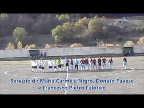 Preview video Video calcio Laurenzana-Caro Et Vellus 2-3 Seconda Categoria B 3 giornata Laurenzana 9 novembre 2014